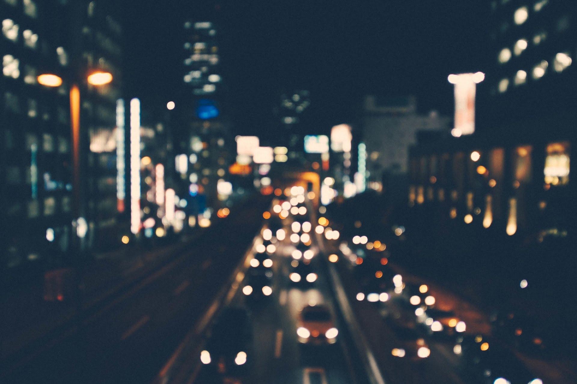 city cars traffic lights night 1 1 語音信箱|Chai 一行詩