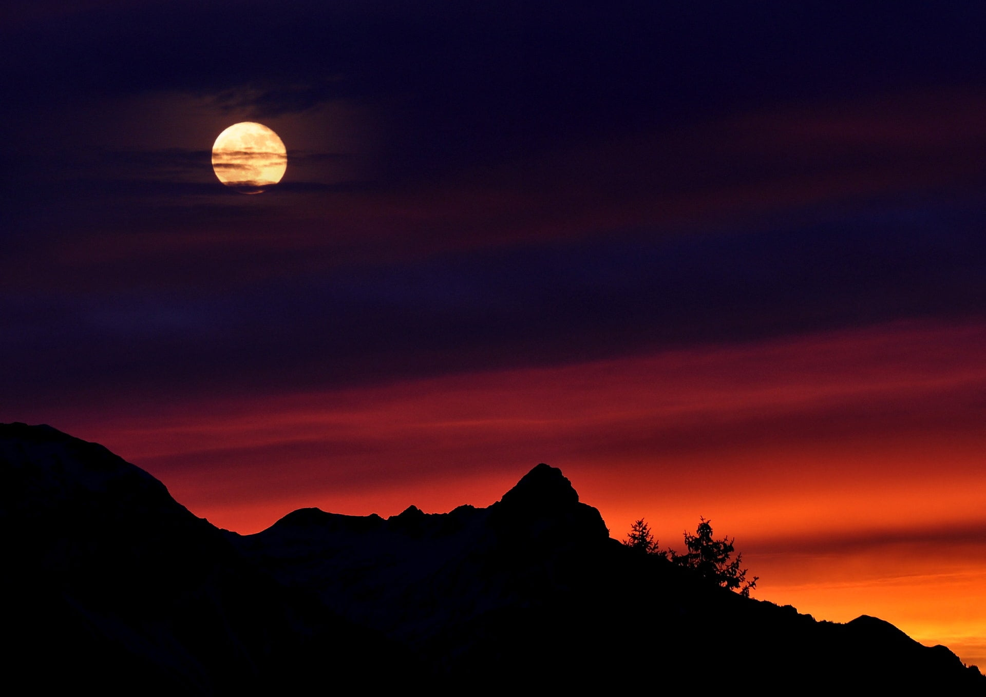 mountains sky sunrise lighting blood moon 1 一絲|子明一行詩
