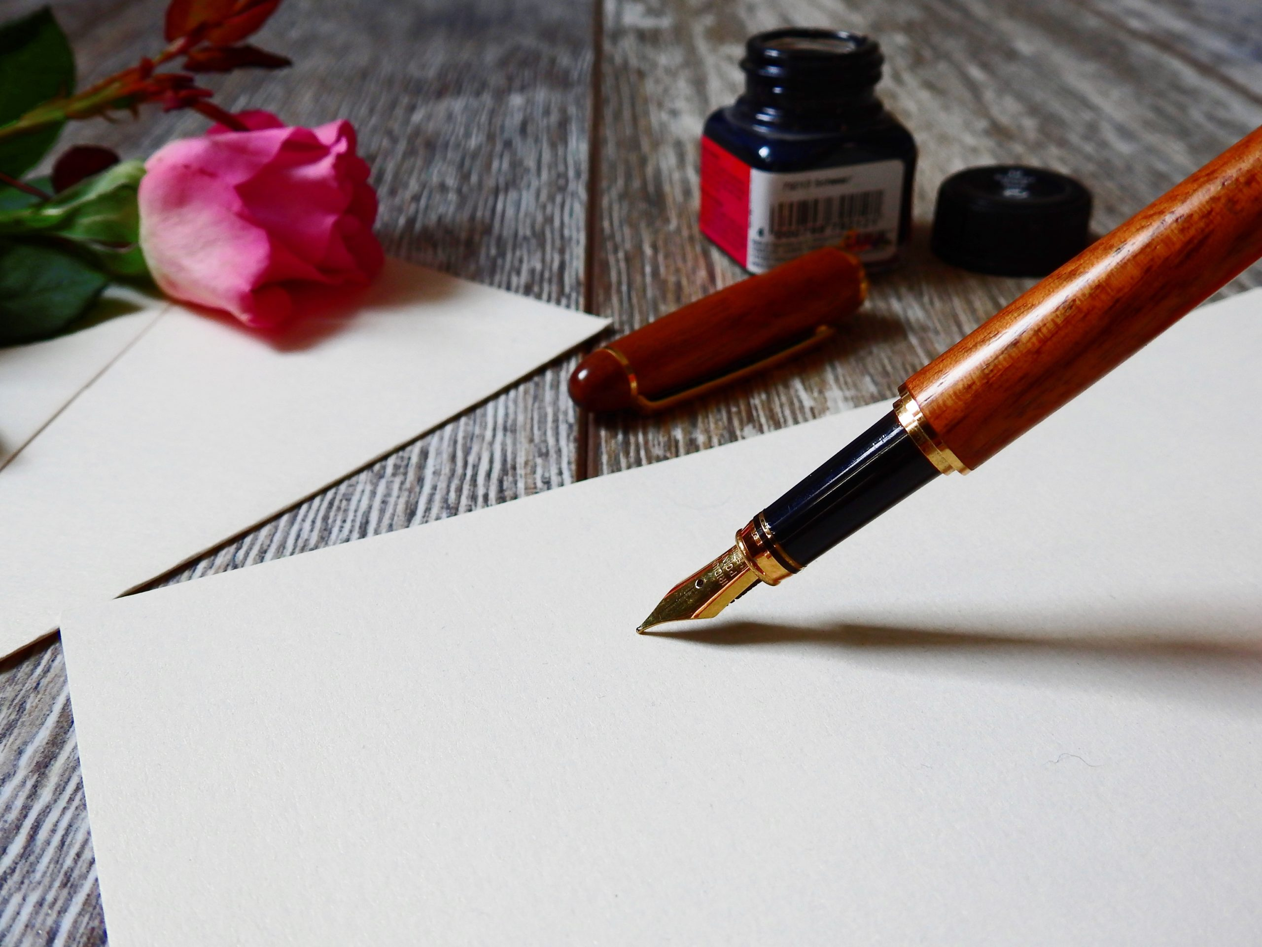 fountain Pen ink writing paper scaled 劇本對不對?|原子散文